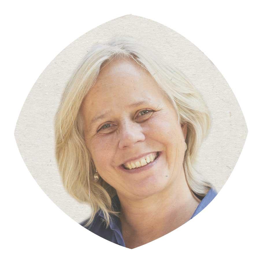 Nancy Wiltink bouwt in sam,enwerking met Green bridges bruggen door middel van VERBEELDING